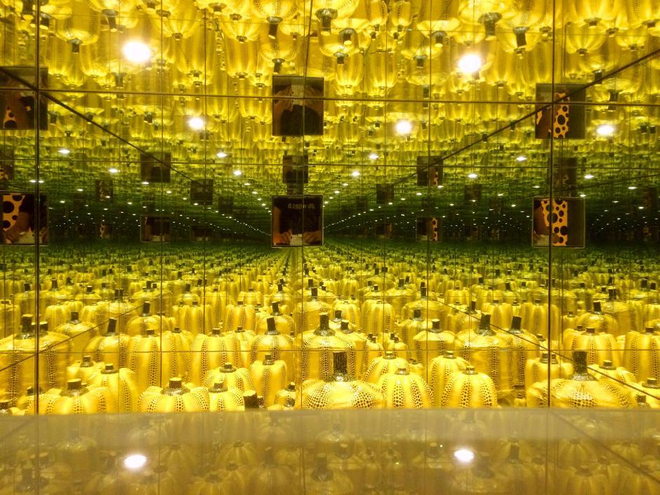 infinity room yayoi kusama