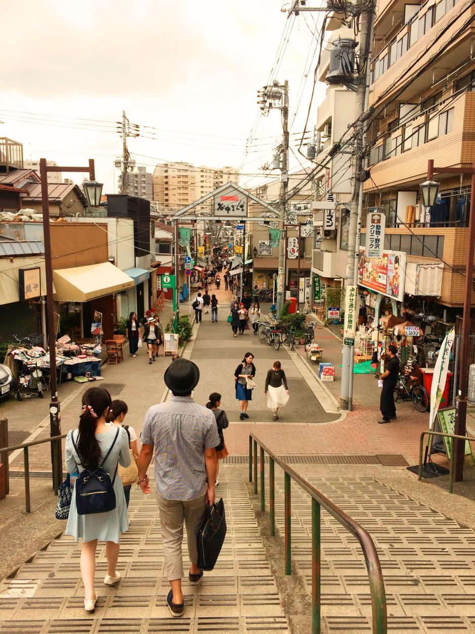 Travel blog: idyllic alley in Tokyo